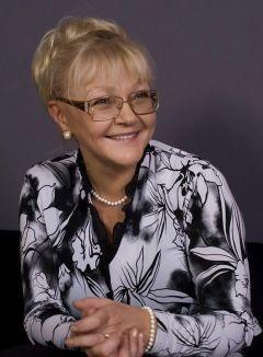 Марина  Дюжева ()