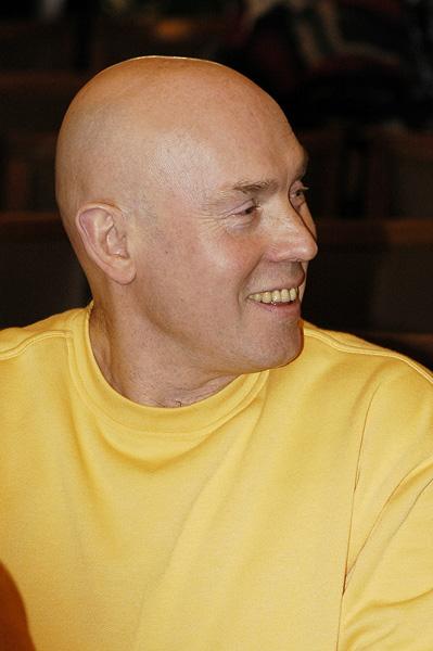 Виктор  Сухоруков ()